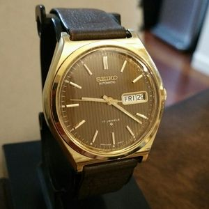 Vintage Seiko 17 Jewel Automatic Day/Date watch